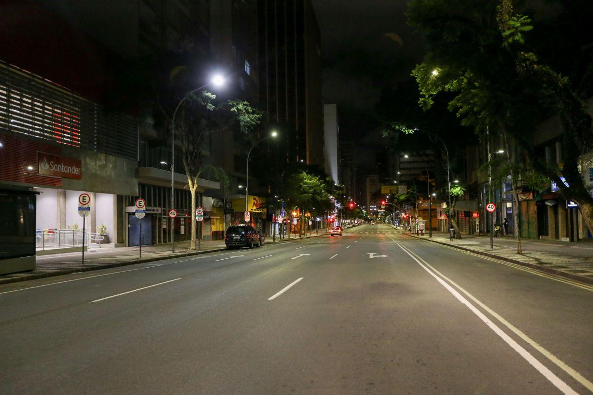 Governo prorroga até 3 de maio toque de recolher na Bahia